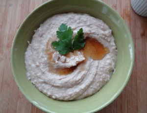 Beans Hummus w/toasted sesame oil
